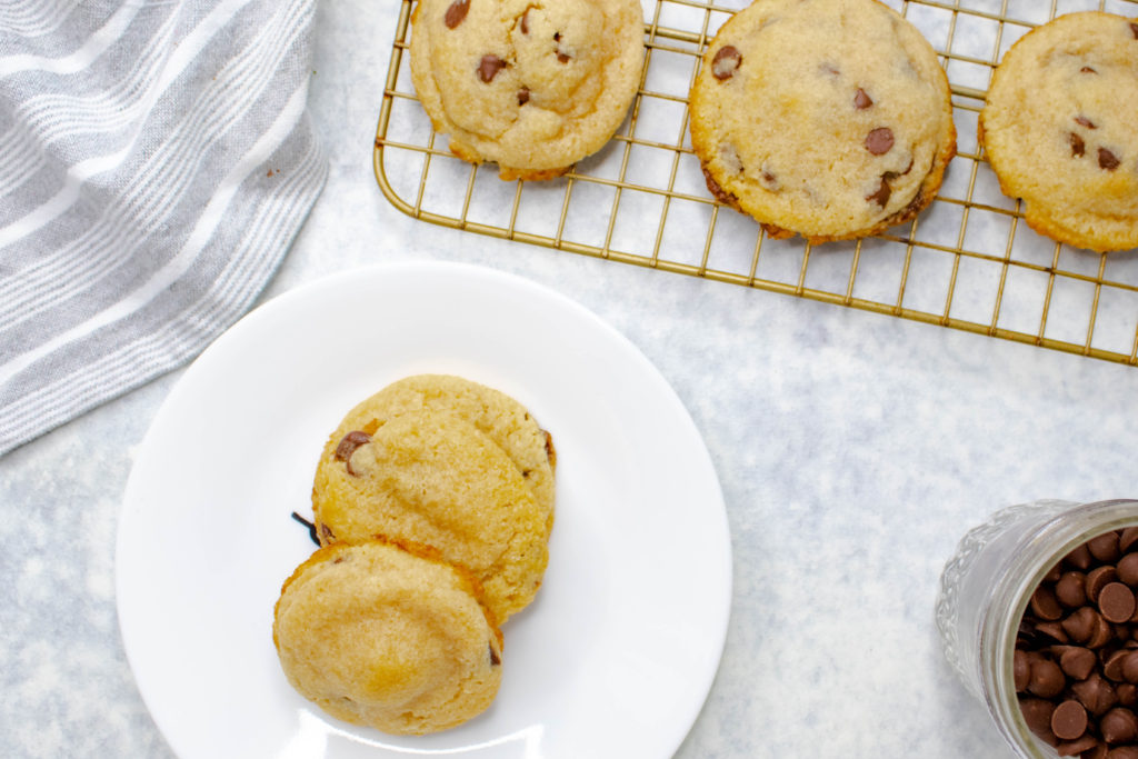 The best and easiest keto chocolate chip cookie recipe. Soft center, crispy edges, and buttery sweet dough all made in just one bowl! An easy and kid friendly recipe for any level baker. You're sure to love these keto chocolate chip cookies.