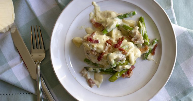 Keto Chicken & Asparagus with White Cheddar Sauce