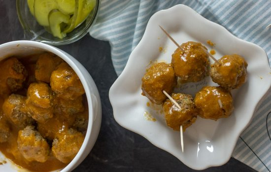 Keto Crock-Pot Meatballs with Tangy Dipping Sauce