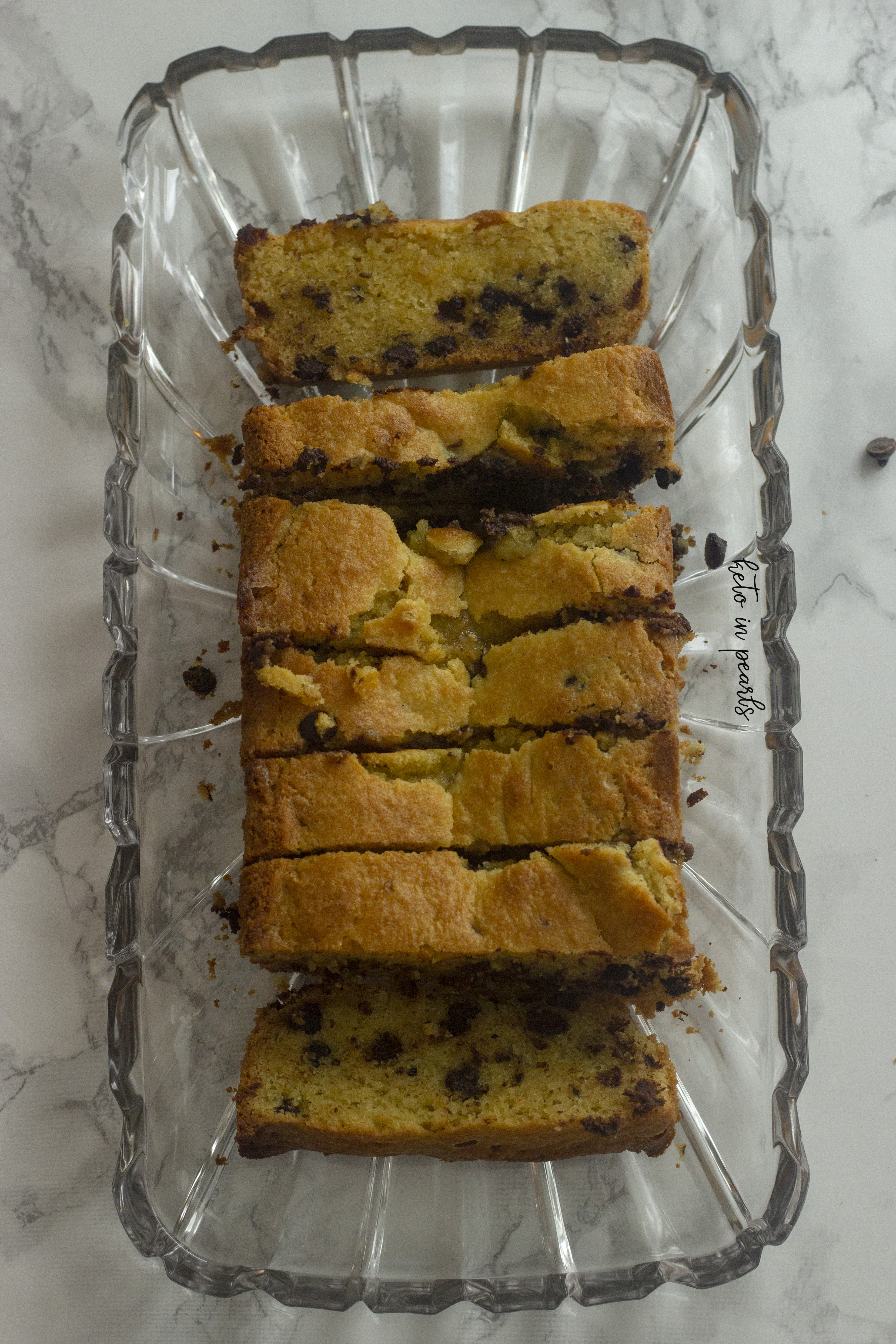 Keto banana bread with chocolate chips! Buttery, soft, and scrumptious. Only 4 net carbs for one big slice!