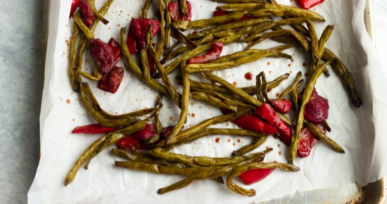Balsamic Roasted Green Beans and Strawberries: low carb, gluten free, dairy free