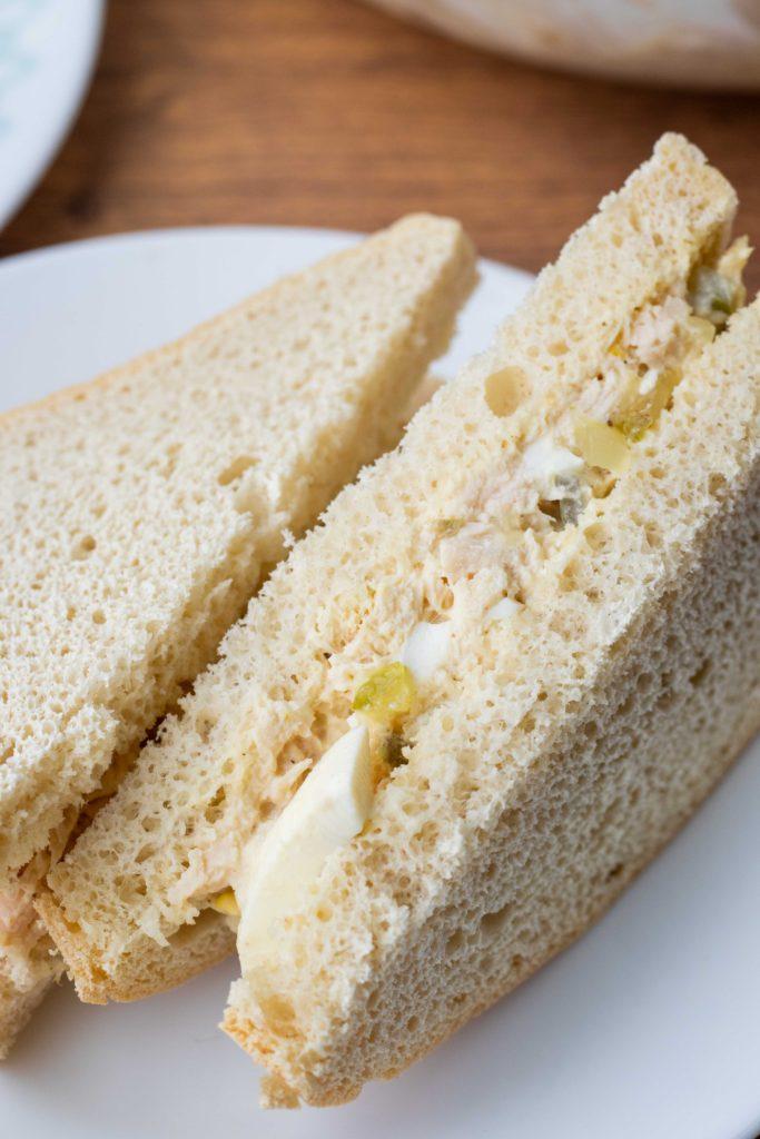Keto tuna salad on low carb bread.