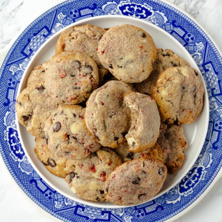 Low Carb Strawberry and White Chocolate Chip Cookies