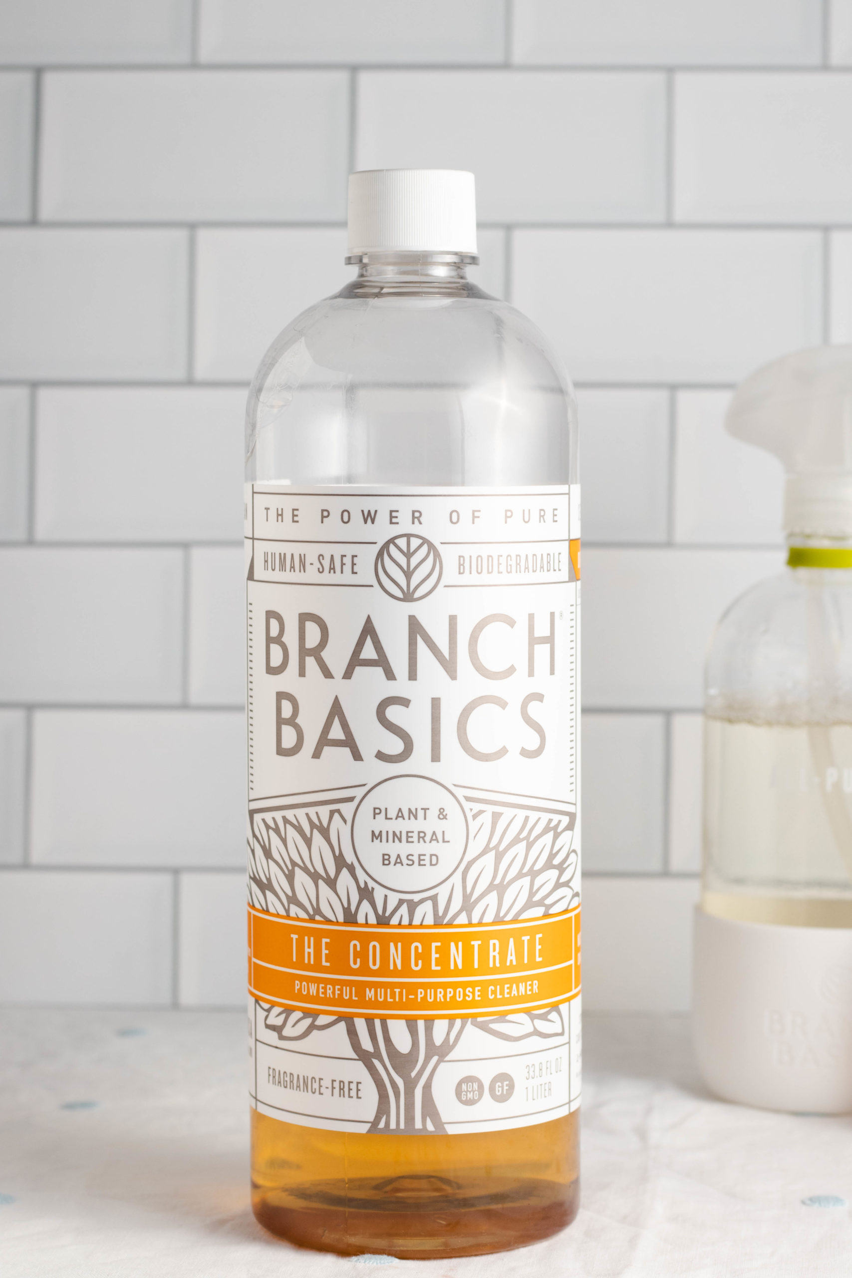 This post will give a high level overview of the difference between non toxic, natural, and safe cleaning products as well as give an honest review of Branch Basics cleaning products. If you're ready to switch to an eco-friendly home, this post is for you!